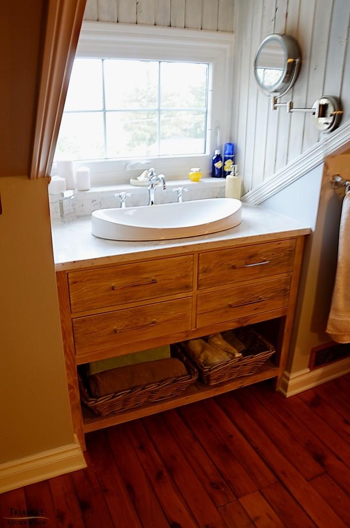 Salle de bain triangle kitchen bath for Salle de bain kitch